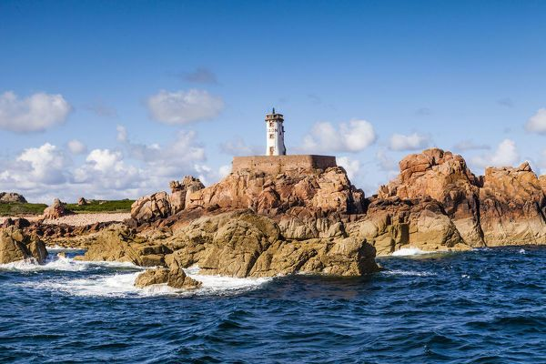 Jigsaw Puzzle Lighthouse On The Ile De Brehat Pink Granite Coast Brittany France 500 Piece Jigsaw Puzzle Made To Order In 2020 Lighthouse Monument Valley Coast