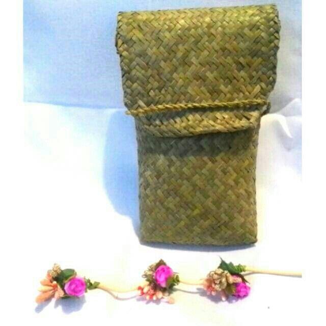 Temukan dan dapatkan Tas Slempang Purun hanya Rp 25.000 di Shopee sekarang juga! http://shopee.co.id/borneoethnic/142674111 #ShopeeID