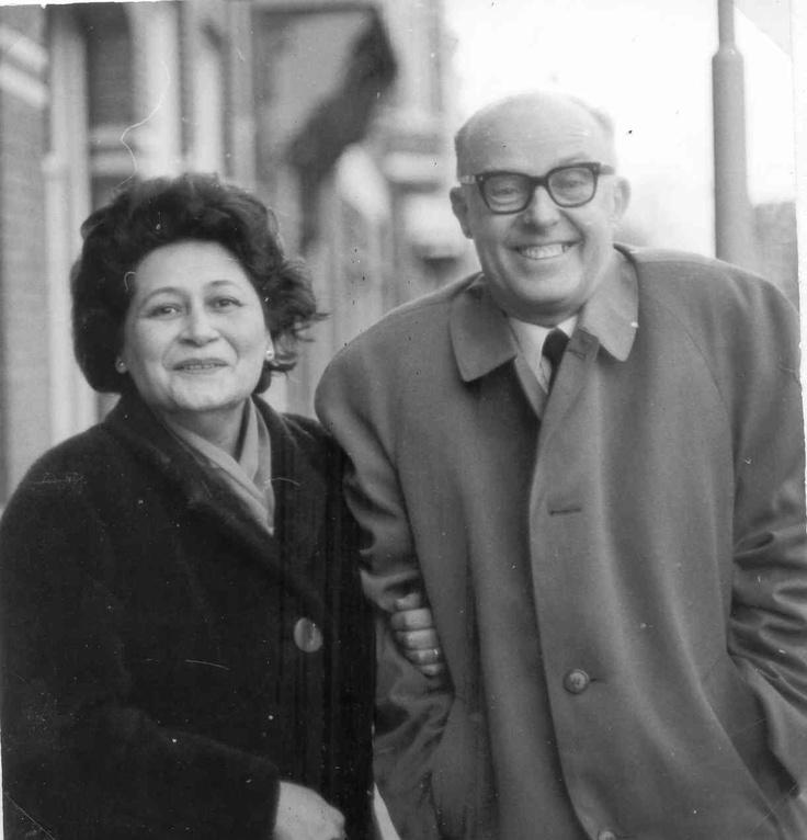 Lin Scholte met literator Rob Nieuwenhuys.