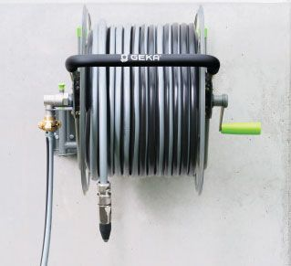 Well engineered, high quality GEKA hose reels and trolleys now available, see https://www.diyandbuilding.com/geka-wall-mounted-garden-hose-reel … #gardenchat #chelseaflowershow #GardenersWorld #watering