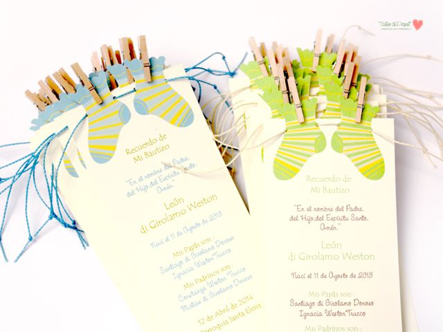 Para Bautizo, Babyshower o para darle la Bienvenida a tu Bebé | Colección Calcetas para Niño. Puedes úsarlas como Tarjetas, Invitaciones o Santitos de Bautizo. Los colores y e texto son completamente personalizables. ______________________________ Si quieres más información y detalles, solo escríbeme a mi mail: tallerdepapel@vtr.net Y para conocer más de mi trabajo visita mi Blog : www.tallerdepapel.net ______________________________ Colección Calcetas | Colores Celeste - Verde