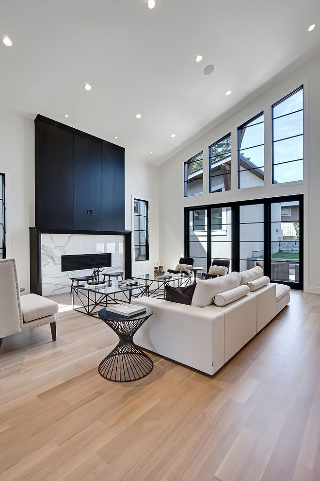 Living Room Ceiling Height Living Room High Vaulted Ceiling With Tall Fireplace L High Ceiling Living Room Tall Ceiling Living Room Vaulted Ceiling Living Room