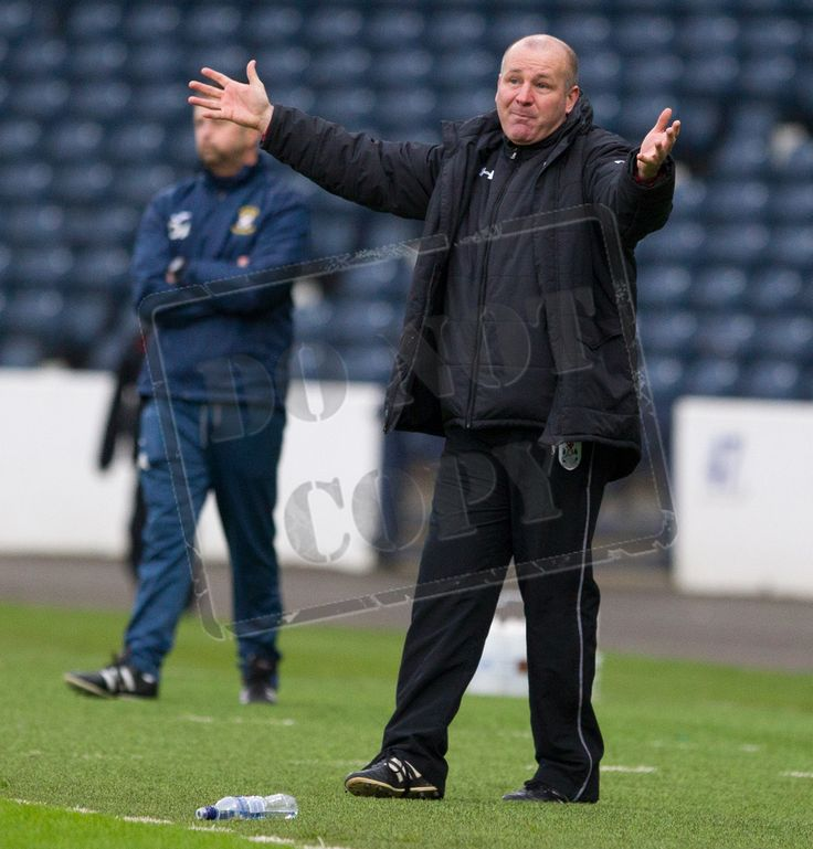 Queen's Park's coach Gus MacPherson encourages his players during the SPFL League Two game between Queen's Park and East Fife.
