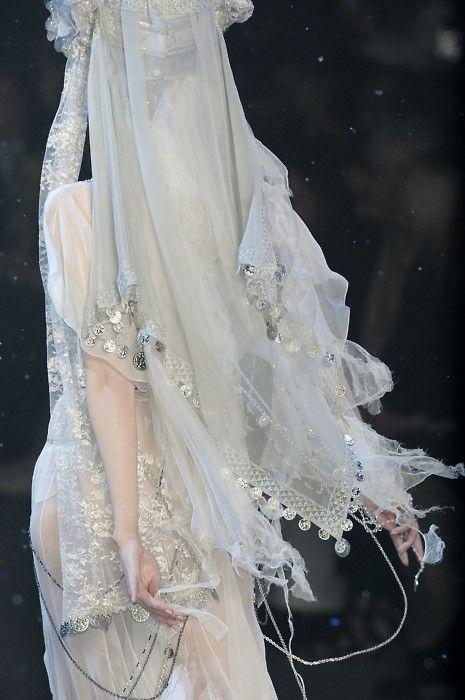 A snow fairy's wedding dress