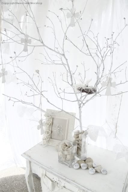 More all-white Easter Party decor.