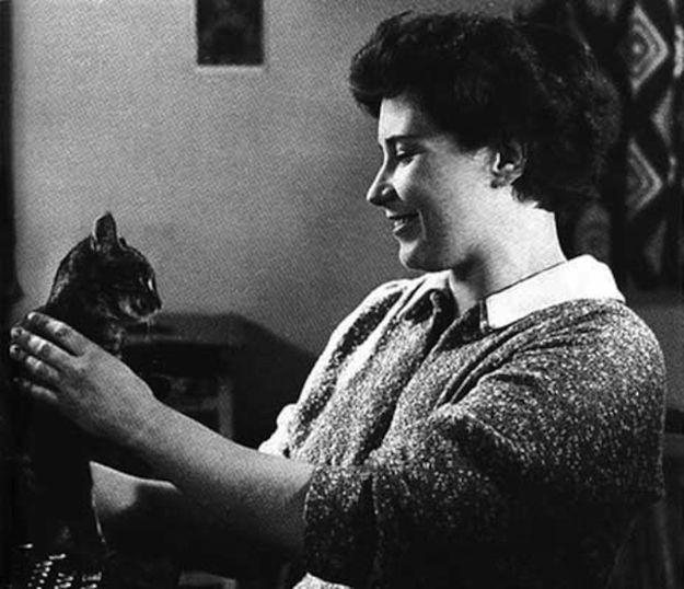 Doris Lessing and her cat.