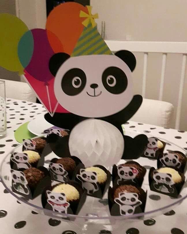 Jantar aniversário com tema Panda.