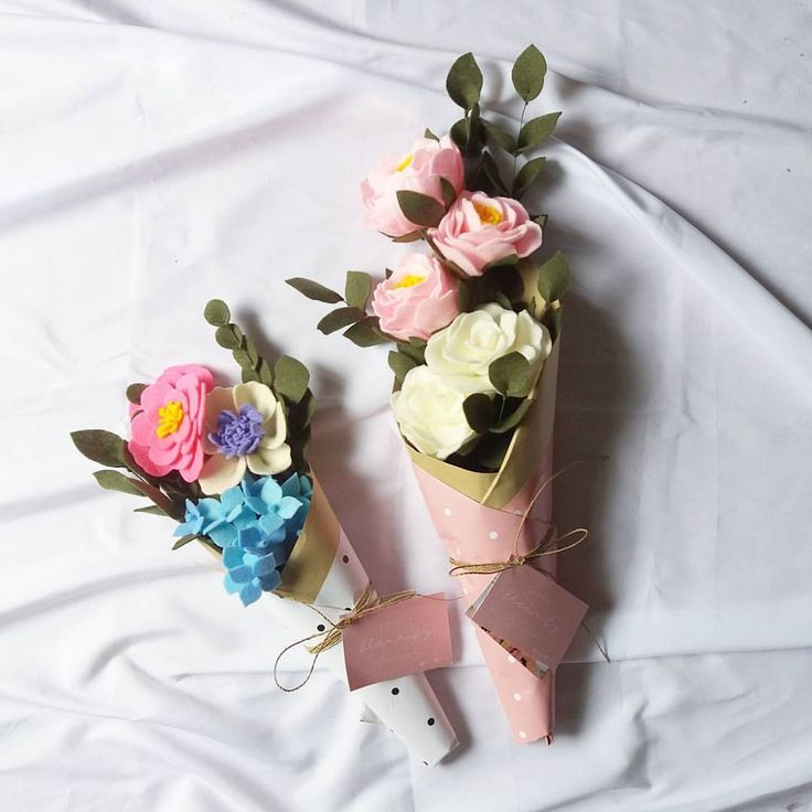 "48 Beğenme, 15 Yorum - Instagram'da handmade felt flower shop (@fleurify_): ""Small (3) and Medium (5) Bouquet, you may choose your own flowers #fleurify #fleurifysize…"""