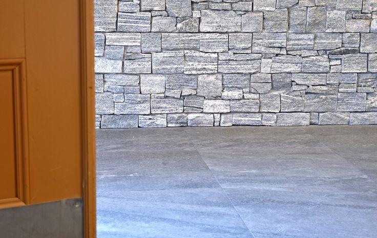 Beklädnadsgranit rustik på huvudkontoret! #granit #stenbolaget