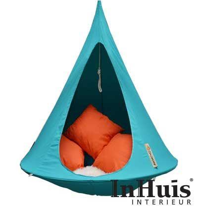 De Cacoon Turquoise zal elke ruimte opfleuren met zijn vrolijke en frisse kleur. En na een lange gestreste dag kan je niet wachten tot je weer in deze vrolijke Cacoon kan hangen. Buiten kan je ook lekker hangen in je hippe Cacoon.  #Hangplek #Tent #Chill #Relax #Cacoon