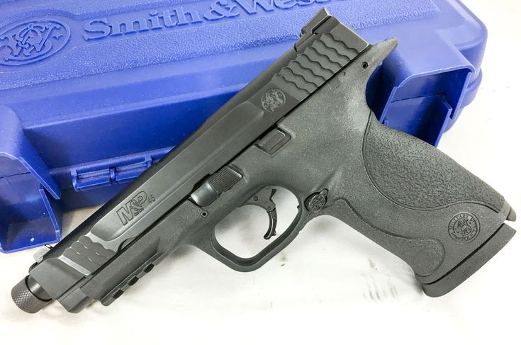 Gun Review: Smith & Wesson M&P 45 Threaded Kit, M&P 45 Threaded left side.