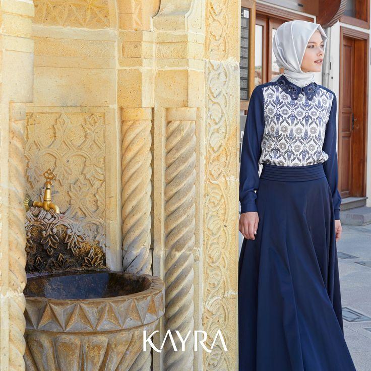 Minimal şıklığın lale desenleri ile zarif sunumu **Dark blue would look wonderful for all occasions http://www.kayra.com.tr/p/5235/a4-10037-desenli-bluz-lacivert
