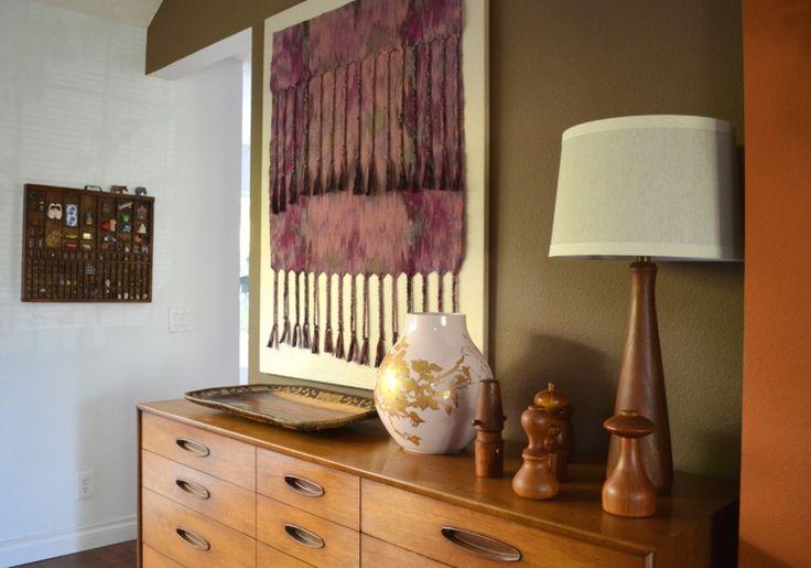 Como inspiración para bricolaje le mostraremos hoy algunos ejemplos interesantes e ideas para la decoración de la pared con tapices y textiles.