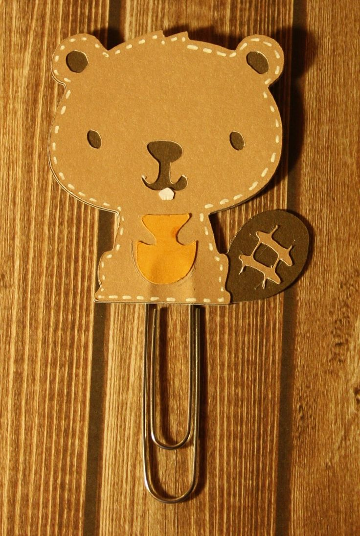 I used my Cricut expression to make this Beaver paper clip bookmark and used the Create a critter