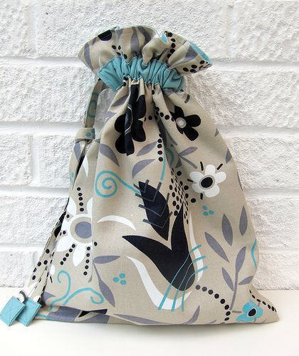 A Facebook fan recently asked for a really simple drawstring bag pattern, for Christmas presents. Well, simple I can do, so here is my suggested method… there are plenty of others out there, but I lik