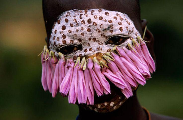A beleza das Tribos Surma e Mursi, uma cultura em perigo, no sul de Etiópia 03
