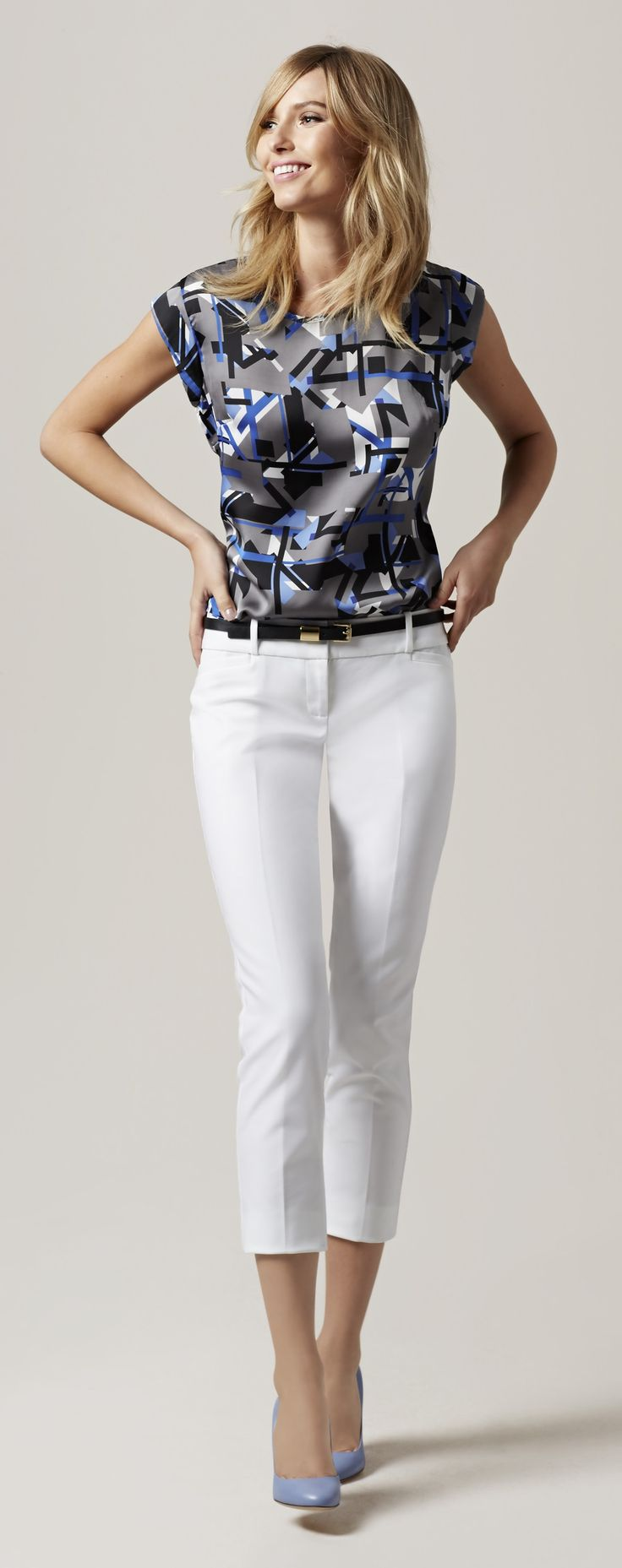 Printed Shell - An abstract pattern has artistic style and pairs with anything from jeans to your favorite suit.