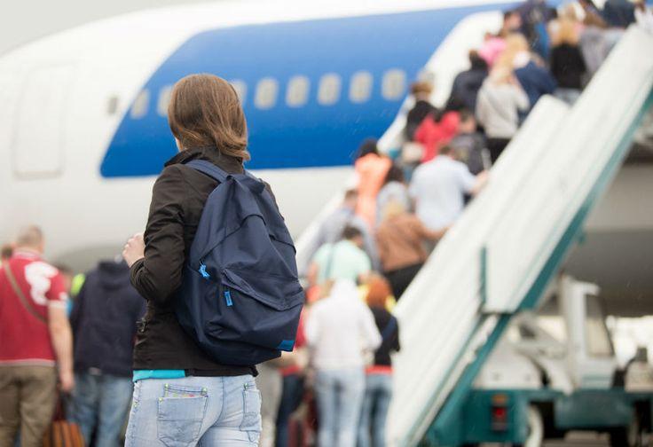 Hindari Makanan-makanan Ini Sebelum Bepergian Naik Pesawat