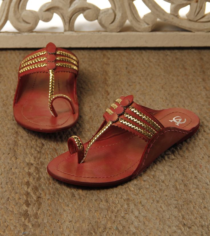 Red Golden #Kolhapuri #Leather #Chappals vc