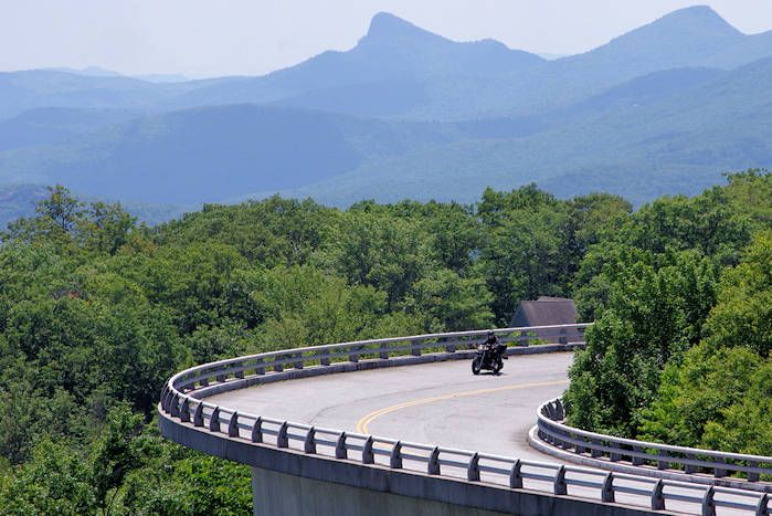 Scenic Drives in Great Smoky Mountains National Park In Gatlinburg, TN, USA.