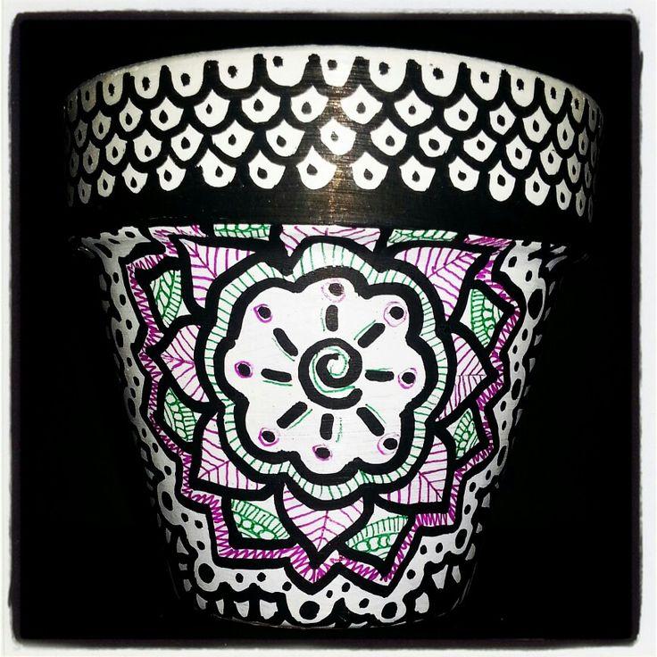 #zentangle#doodle#handpainted#terracotta#pot#design#decoration#diy