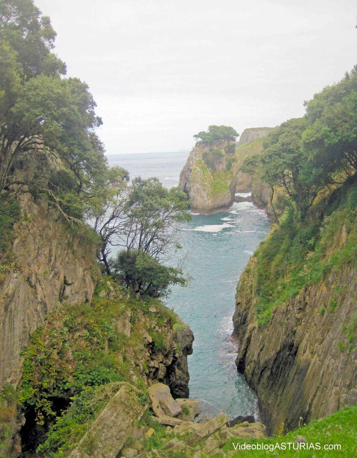 """Costa asturiana desde cueva de """"El Pindal"""" (Ribadedeva)"""