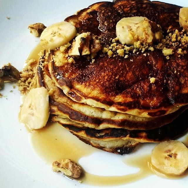 Buttermilk Banana Pancakes, Salted Maple Walnuts, Maple Syrup. #vcbfood #eattheworld #scoutYVR