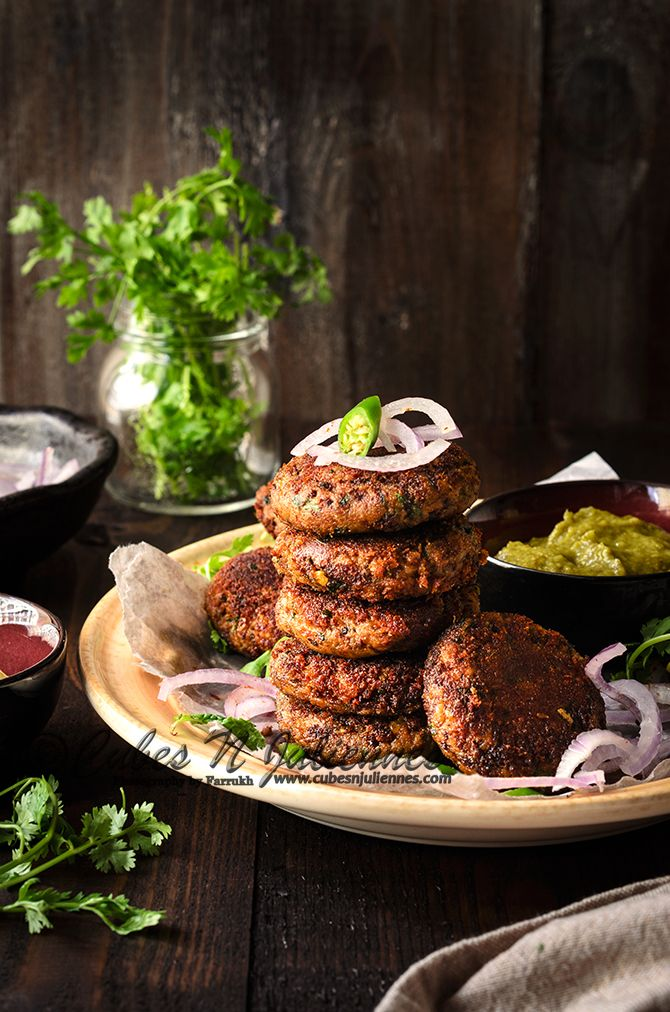 Cubes N Juliennes: Shami Kabab / Gosht ke Shami / Crisp outside and melt in your mouth within. Uses: mutton, Chana dal (chickpea lentil), mint, coriander, cilantro, ginger, chillies