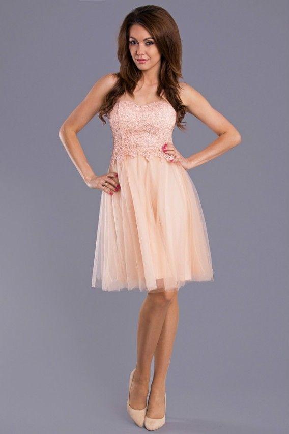 Sukienka typu princeska z haftem.