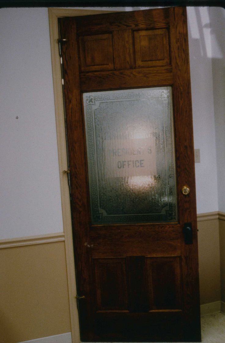 Frosted glass office door - Frosted Glass Vintage Wouldn T It Be Fun To Find A Funky Old Door