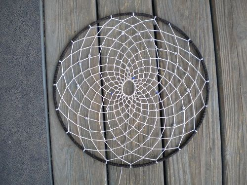 Dream Catcher How-To - detailed tutorial for weaving