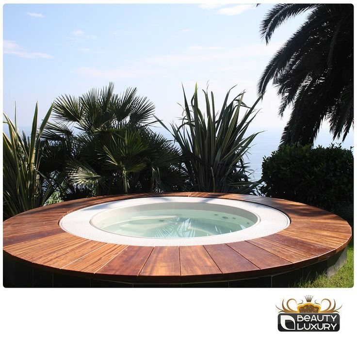 Good intentions for 2015? Relax in a Beauty Luxury hot tub! Until January 17, the Hot tub BL-818 can be yours with the 30% discount! http://www.beauty-luxury.com/en/hot-tub-spa-bl818-p-16.html