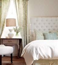 .: Bedrooms 3, Romantic Bedrooms, Guest Bedrooms, Tufted Headboards, Vintage Bedrooms, Master Bedrooms, Adorable Thibaut, Cream Bedrooms, Beautiful Bedrooms