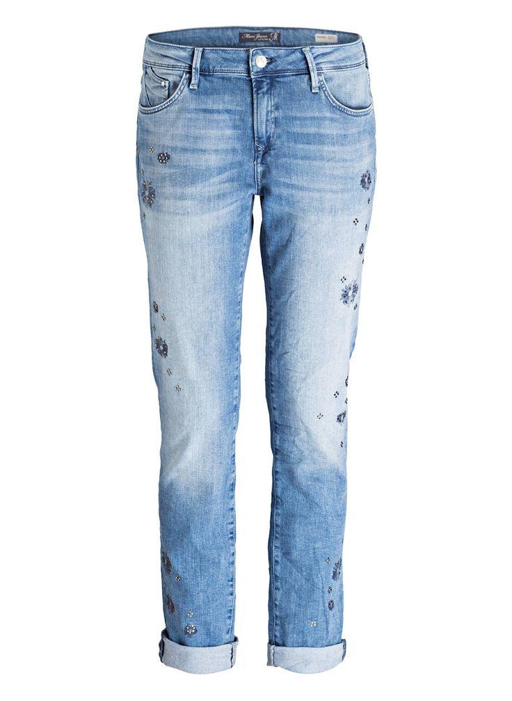 Die Jeans für Damen UPTOWN ANDREA von mavi bezaubern mit einerm erfrischenden Design. Der Boyfriend-Cut sowie die Crinkle-Effekte werden dabei gebrochen von schimmernden Schmucksteinen, die eine coole Girly-Attitüde in das Design mischen. Perfekt für entspannte Casual-Looks!Details:Passform laut Hersteller: BoyfriendLeibhöhe laut Hersteller: Mid RiseGerades BeinZip-Fly-Verschluss5-Pocket-StyleCrinkle-EffektSchmucksteinbesatz und NahtdetailsMaße bei Größe 27:Bundweite: 76 cmVord. Leibhöhe mit…