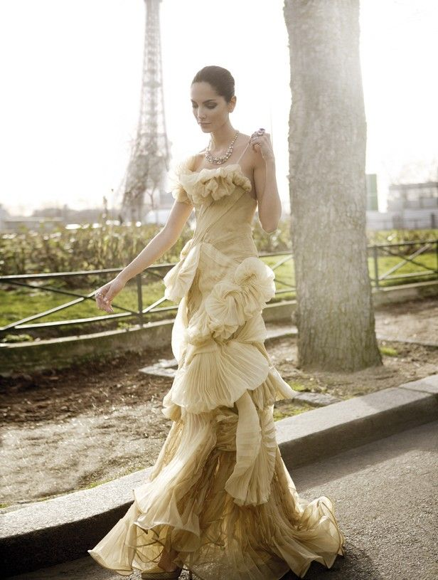 ru_glamour: Eugenia Silva for Armani: Everyday Parisians, Paris Floyd, Couture Amour, Glamour Festivo, J Aimee Couture, Gowns Yearning Yellow, Gowns Obsession, Dresses Gowns, Haute Couture