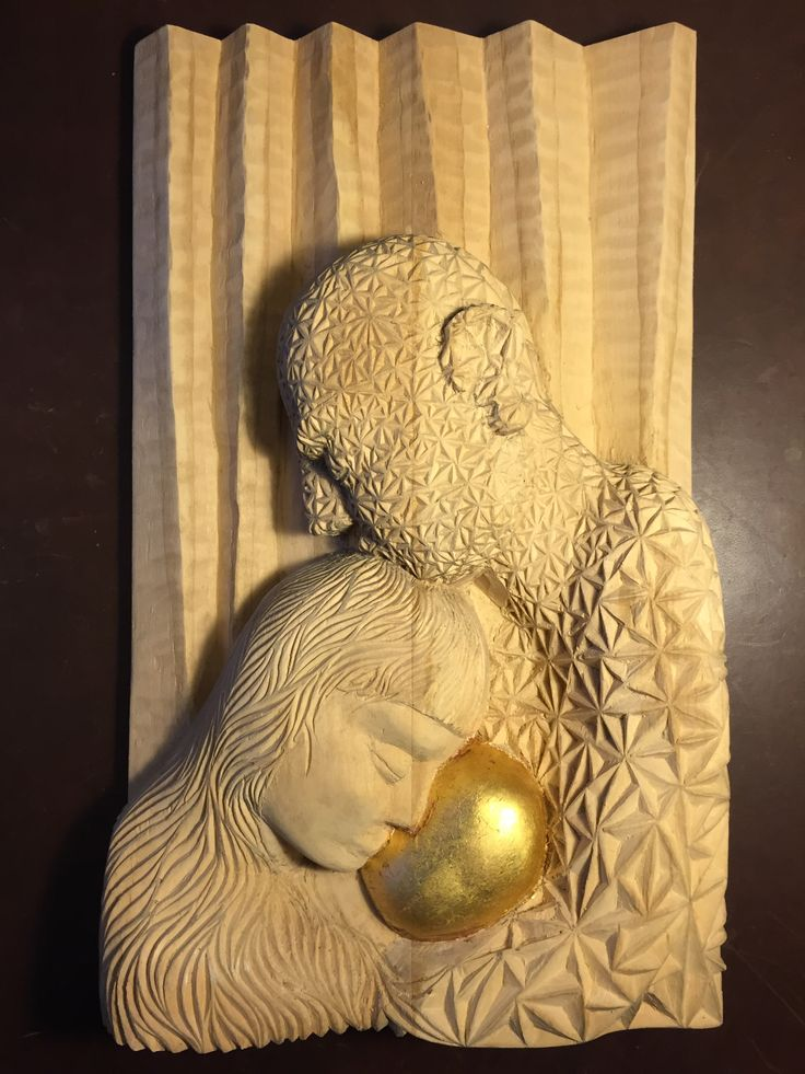 sacra familia, intaglio in legno di tiglio e foglia d'oro So