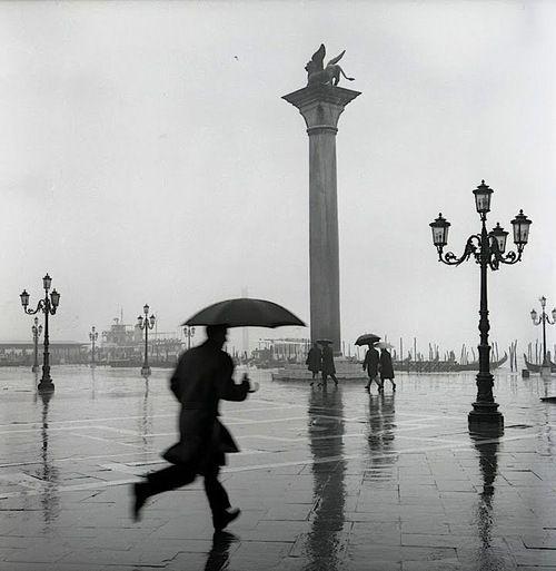 Dmitri Kasterine - Venice in the rain, 1962