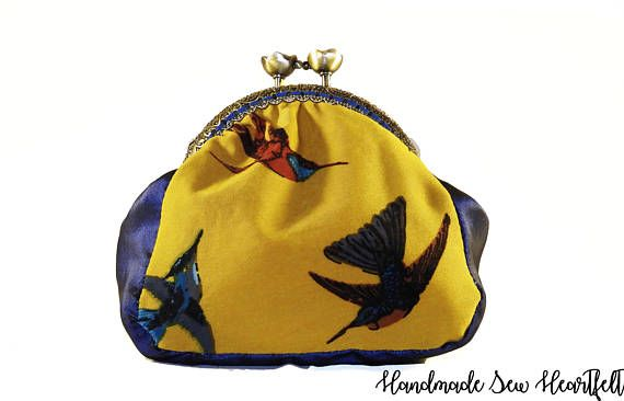 Bird Coin Purse #coinpurse #purses #hummingbird #bluegift #giftforher #clutchbag #clutchpurse #clutch #handmade #smallpurse #birds #yellowgift #kissclasp #mumgift #sistergift #valentinesgift #ukshopping