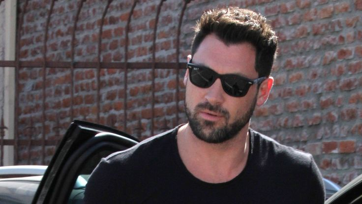 'Dancing With the Stars' pros defend Maks: Julianne's comments were 'unfair'