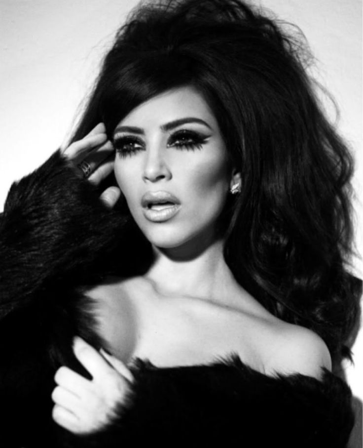 W O W !!!!!!!!!!!!!!!!!!!!!! not a fan but not a hater either Kim Kardashian-Vintage Glamour