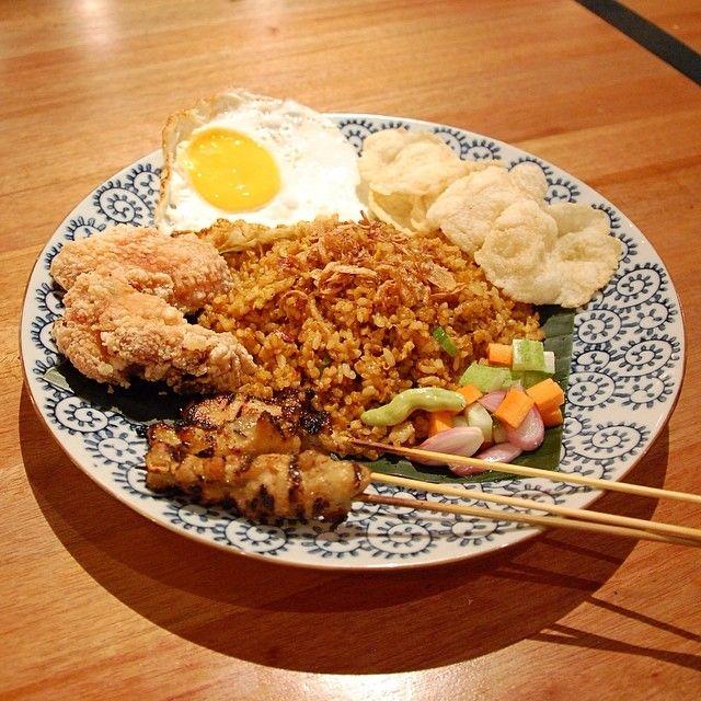 Nasi Goreng #friedrice #localfood #indonesiafood #rice #H5OPCO #howdyhelloholaheyho https://www.facebook.com/H5OPCO