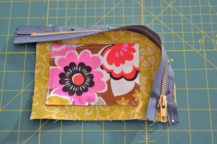 2 Sided Zips: a handy case tutorial from SewCanShe!