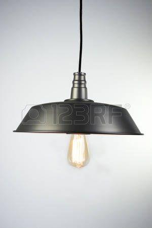57646901-lampada-a-sospensione-industriale.jpg (300×450)
