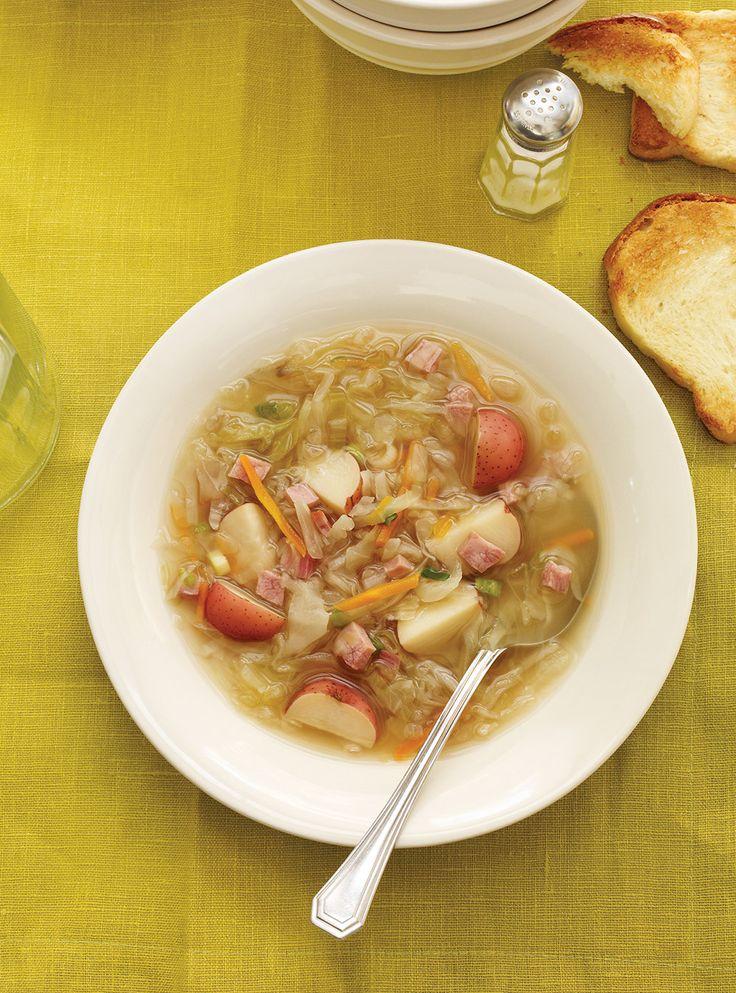 Recette de Ricardo de soupe au chou et au jambon