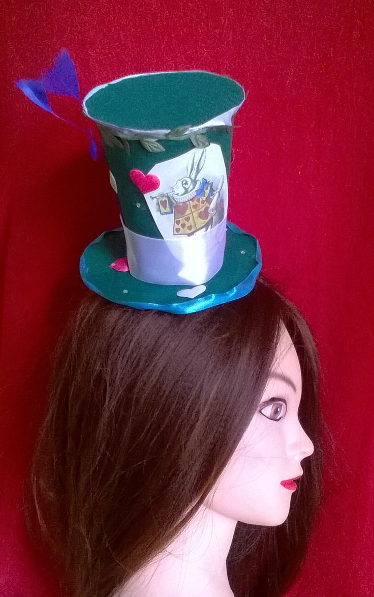 Mini hat with Rabbit, Alice in Wonderland. #Minihat #veil #Carnival #Halloween #Christmas #ValentineDay #NewYear #costumeparty #minihats #Alice #AliceintheWonderland #MadHatter #minicylinder #cylinder #rabbit