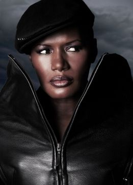 The Legendary Grace Jones - FASHION SIZZLE