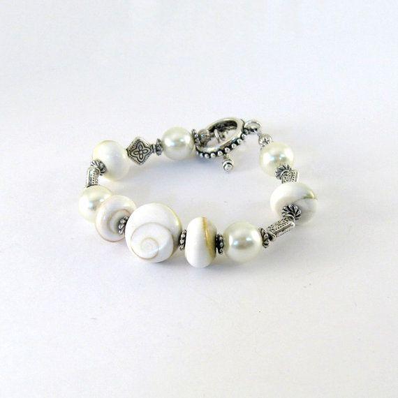 Cream Conch Bracelet Conch Beads Rondelles by CinLynnBoutique, $22.00