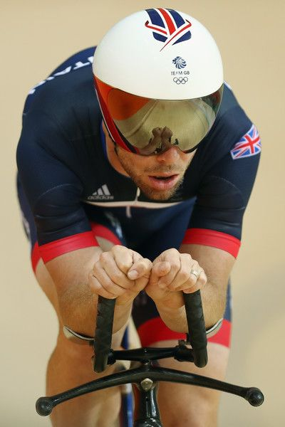 Mark Cavendish in action during training at the Rio Olympic Velodrome 4-8-2016 Bryn Lennon/Getty Images