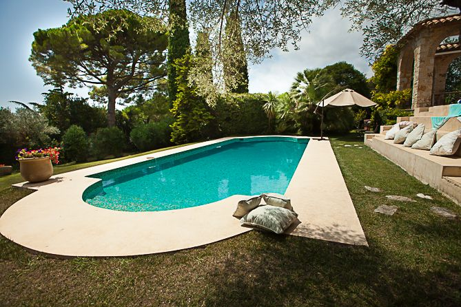 Mas à Miel - Antibes. 3 bed, 3.5 bath (Sleeps 6) Here, you will discover the charm of a completely restored Mediterranean home.  With simple decor, modern amenities, and great terraced areas, the villa can accommodate up to 6 people with 3 charming bedrooms and en-suite bathrooms. Plenty of exercise opportunities as well, as heated pool, trampoline and a brand new tennis court are all for your exclusive use