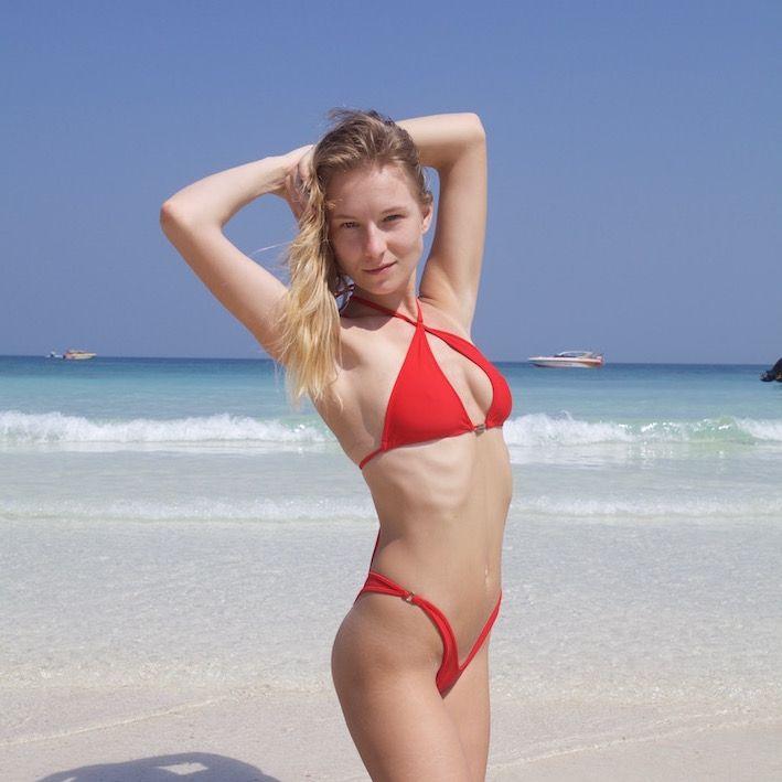 Красный бикини с высокой посадкой трусиков! . #mynewbikini #mnb #mnbgirls #микробикини #microbikini #дизайнерскиекупальники #купальник #купальники #swimwear #swimsuit #бикини #bikini #bikinis #bikinimodel #море #пляж #бассейн #отпуск #путешествие